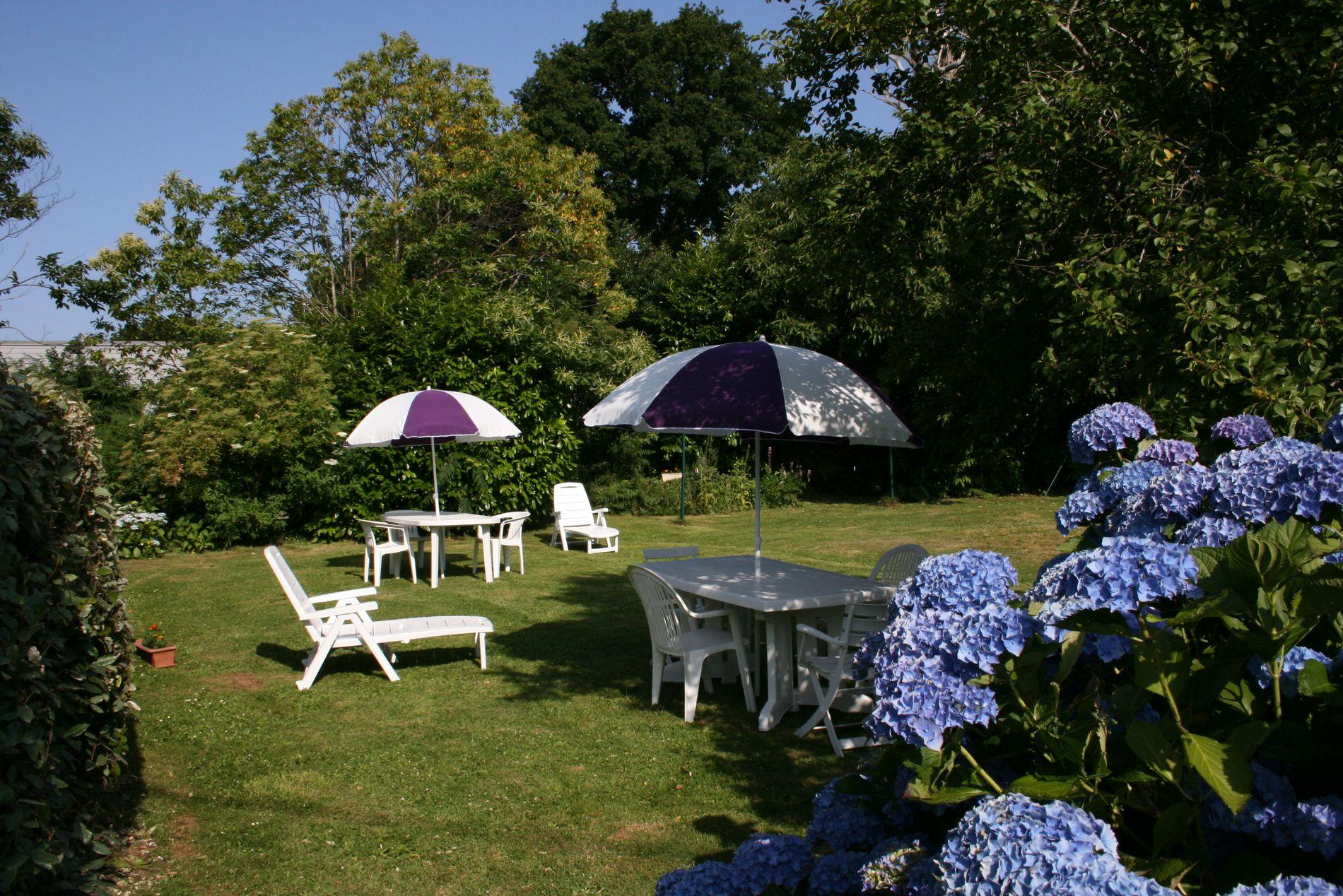 Un jardin au calme, idéal pour se détendre ou se reposer...